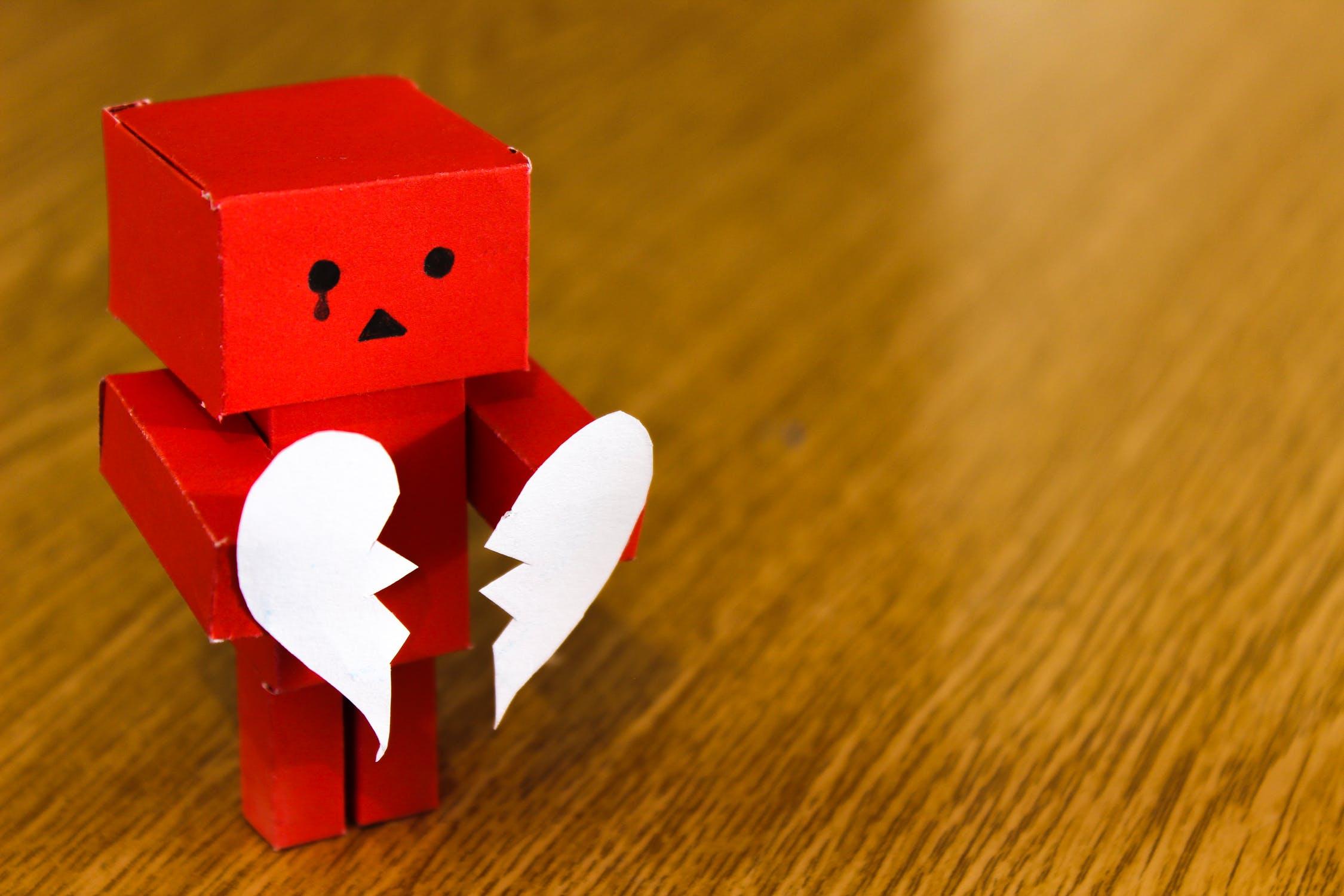 トラウマはどう日常に影響し、幸せな人生を阻害するのか