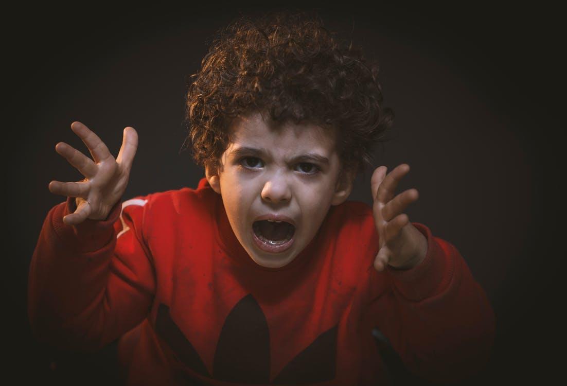 子どもがすねる 根本的な原因とその対処法