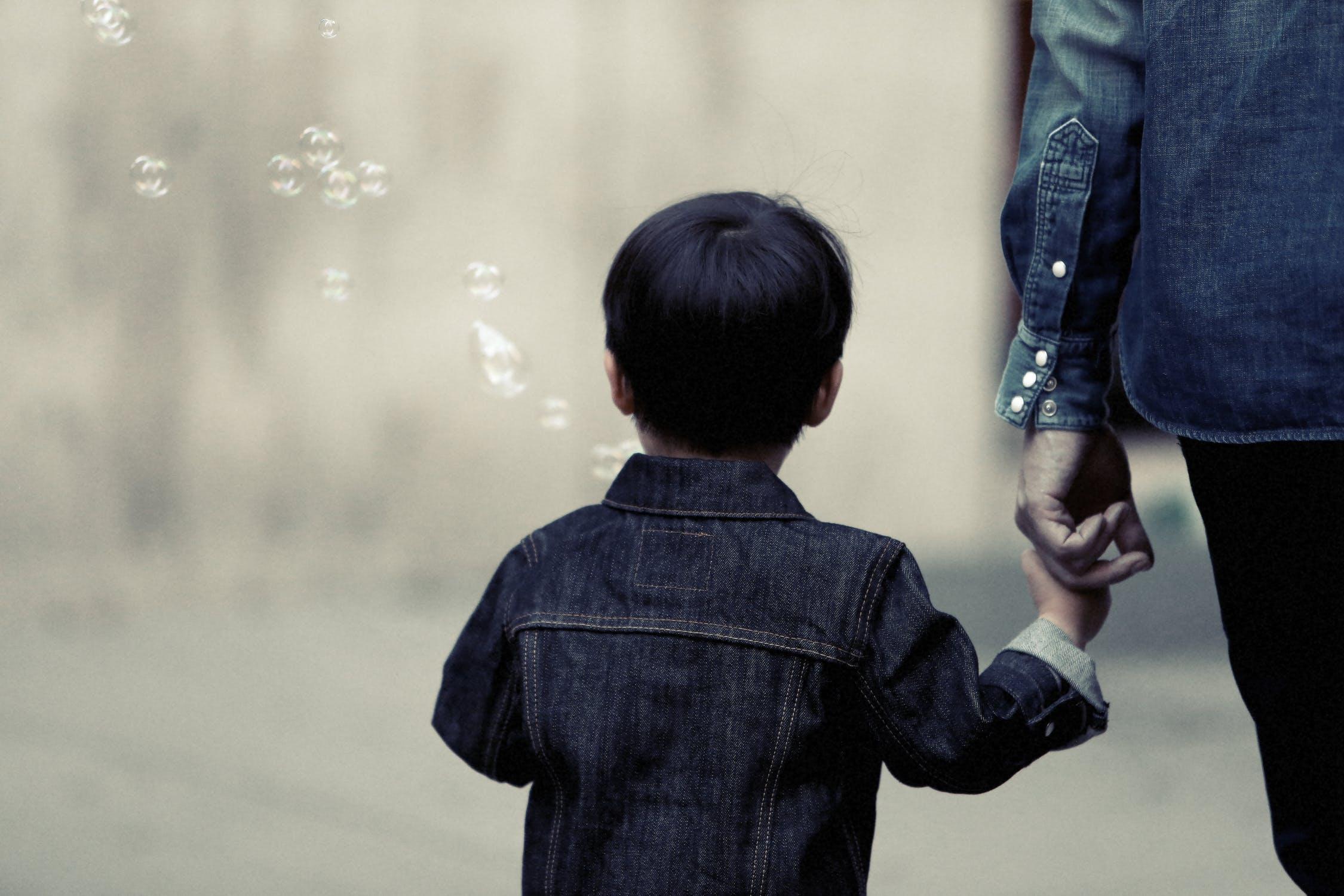 子育てのプレッシャーを軽やかに手放すための、3つの提案