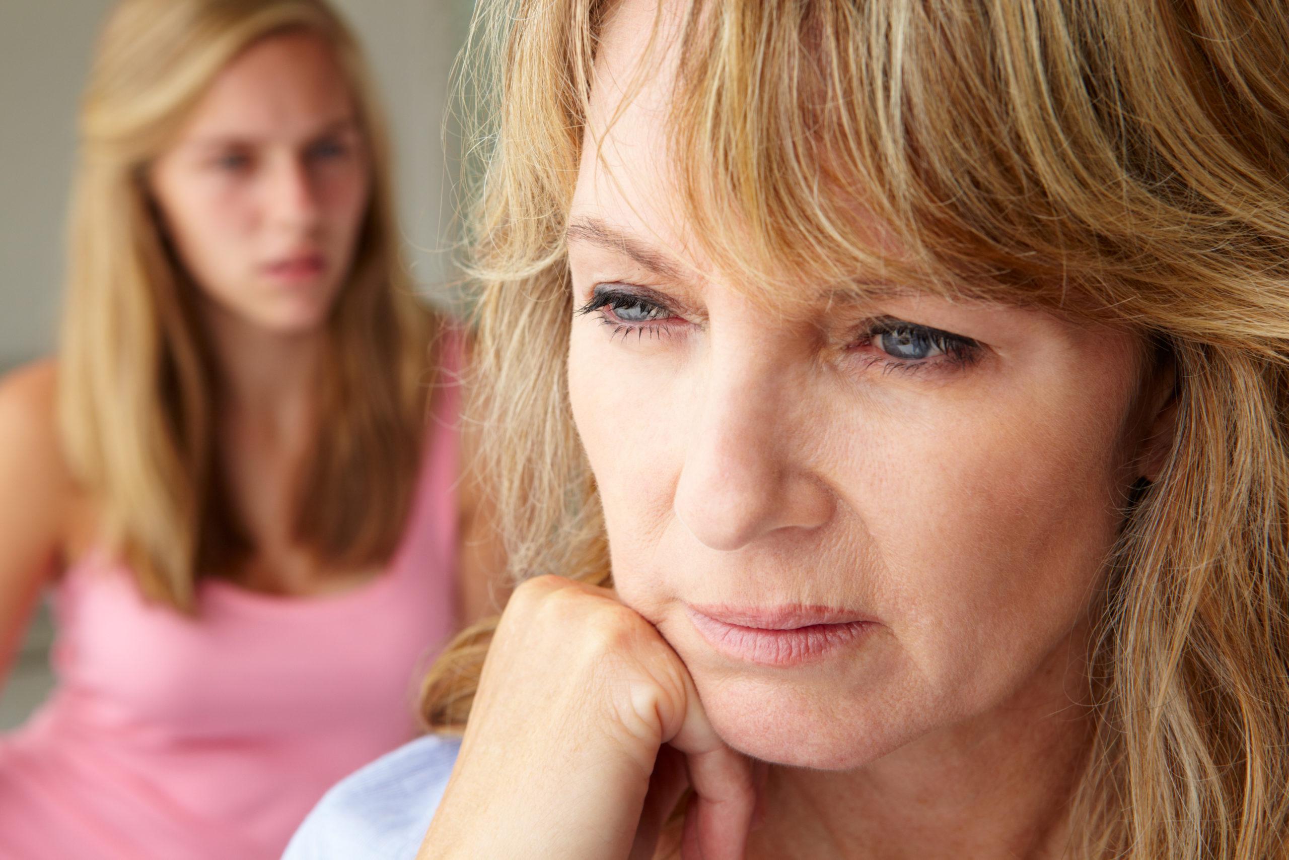「母が重い」そう感じるあなたは共依存関係に注意!母親から解放されて幸せに生きるには。